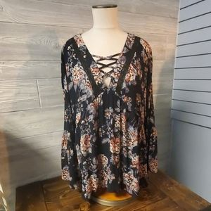 Oddy Floral Tunic Top